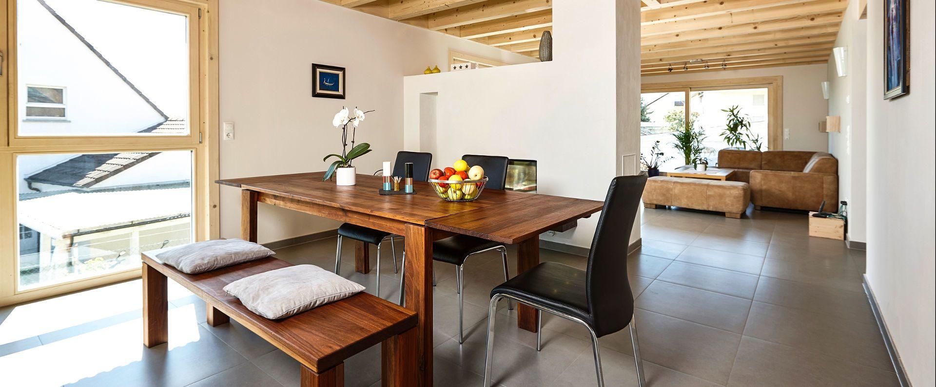 Wohnbereich im individuell gebauten Holzmauer-Haus