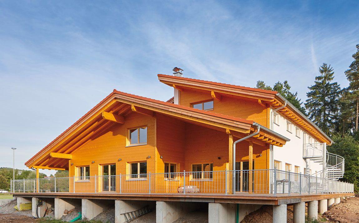 Ein Vereinsheim natürlich gebaut mit Holz (Gewerbebauten aus Holz)