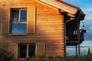 Blockschalung Hausbau mit Holz